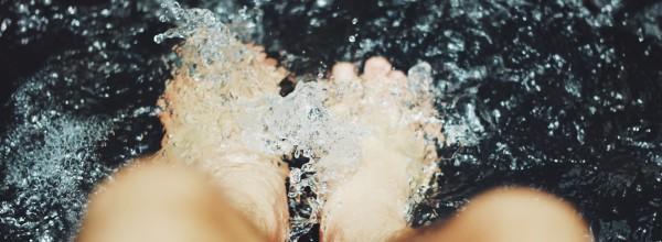 Twoje stopy w ciąży są szczególnie opuchnięte i narażone na odciski